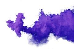 Purpurfärgad och violett rök som isoleras på vit bakgrund royaltyfri fotografi