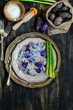 Purpurfärgad potatissallad för yoghurt Fotografering för Bildbyråer