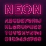 Purpurfärgad stilsort för alfabet för neonrör Neonfärg märker, nummer och symboler royaltyfri illustrationer