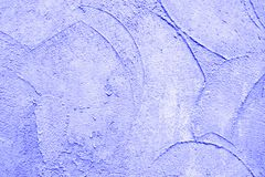 Purpurfärgad stuckaturbakgrund royaltyfria bilder