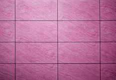Purpurfärgade bakgrundstegelplattor Royaltyfria Bilder