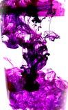 Purpurfärgat färgpulver Fotografering för Bildbyråer