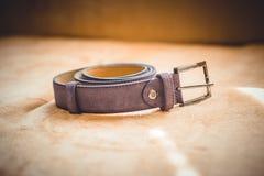 Purpurfärgat läderbälte Royaltyfri Fotografi