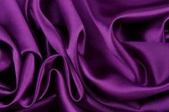 Purpurfärgat Silk tyg royaltyfri bild