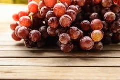 Purpurowi winogrona świezi Obraz Royalty Free