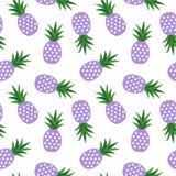 Purpurowy ananas z trójboka geometrycznym owocowym latem tropikalnym Obrazy Royalty Free