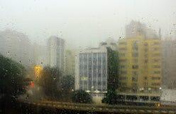 purpurowy deszcz okno zdjęcia royalty free