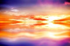 Purpurowy niebo z pomarańczowymi chmurami Fotografia Royalty Free