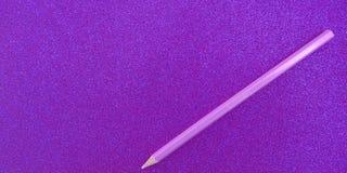 Purpurowy textured tło z błyskotliwość skutka tłem zdjęcie stock
