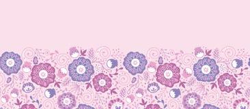 Purpurrote Blüte blüht horizontales nahtloses Muster Lizenzfreie Stockfotografie