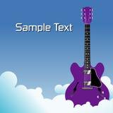 Purpurrote Gitarre in den Wolken