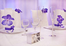 Purpurrote Hochzeitstabellen Lizenzfreies Stockbild