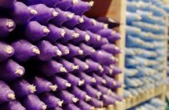 Purpurrote Kerzen Lizenzfreie Stockfotos