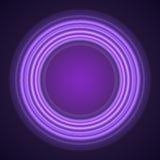 Purpurrote Neonkreise auf schwarzem Hintergrund Lizenzfreie Stockbilder