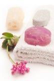 Purpurrote Seife und Blume Lizenzfreie Stockfotografie