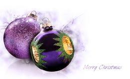 Purpurrote Weihnachtskugeln Lizenzfreie Stockfotografie