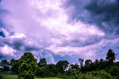 Purpurrote Wolken Lizenzfreie Stockfotos