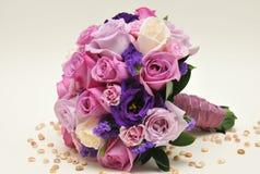 Purpurroter Blumenstrauß Stockfotografie