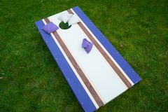 Purpurroter Cornhole Bean Bag Toss Game Lizenzfreies Stockbild
