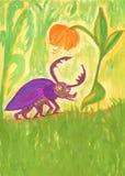 Purpurroter gehörnter Käfer betrachtet eine orange Blume lizenzfreie abbildung