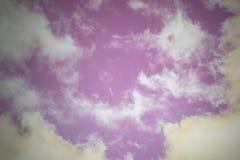 Purpurroter Himmelhintergrund lizenzfreies stockfoto
