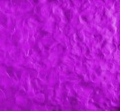 Purpurroter Hintergrund mit den Fingerabdrücken gemacht vom Plasticine Lizenzfreies Stockbild
