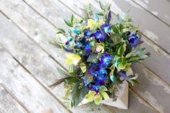 Purpurroter Hochzeits-Blumenstrauß Lizenzfreies Stockfoto