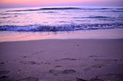 Purpurroter Morgen auf dem rumänischen Meer Lizenzfreies Stockfoto