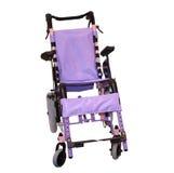 Purpurroter Rollstuhl Stockfoto