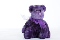 Purpurroter Teddybär Stockfoto