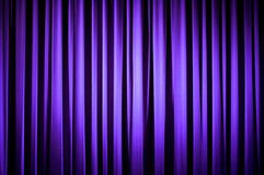 Purpurroter Theater-Trennvorhang Stockfoto