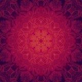 Purpurrotes abstraktes Muster mit Spitzeblumenverzierung Lizenzfreies Stockfoto