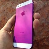 Purpurrotes iphone Lizenzfreie Stockfotos