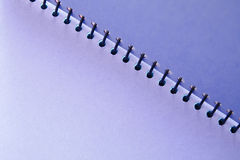Purpurrotes unbelegtes Notizbuch Stockbild