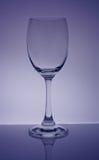 purpurrotes Weinglas und Hintergrund Lizenzfreie Stockfotos