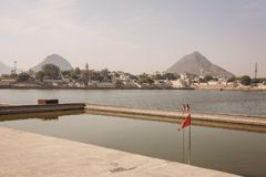 Pushkar圣洁湖在普斯赫卡尔市,拉贾斯坦,印度 免版税库存图片