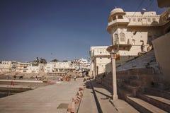Pushkar圣洁湖在普斯赫卡尔市,拉贾斯坦 免版税库存照片