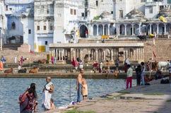 Pushkar湖的-普斯赫卡尔,拉贾斯坦-印度人们 免版税库存图片