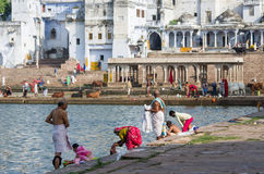 Pushkar湖的-普斯赫卡尔,拉贾斯坦-印度人们 免版税库存照片