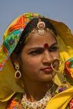 PUSHKAR INDIA, LISTOPAD, - 21: Niezidentyfikowana dziewczyna uczęszcza Pushkar jarmark na Listopadzie 21, 2012 w Pushkar, Rajastha Obrazy Stock