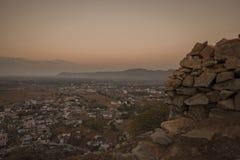 Pushkar sikt från överkant av den Savitri templet Arkivfoto