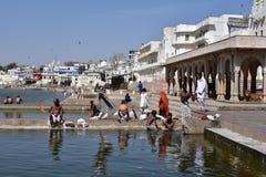 Pushkar sjö eller Pushkar Sarovar på Pushkar - Rajasthan - Indien Royaltyfria Foton