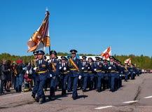 Pushkin, Rússia - 5 de junho de 2017: Uma parada solene dedicada ao 75th aniversário do 6o exército Imagens de Stock Royalty Free
