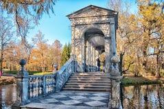 pushkin selotsarskoye St Petersburg Ryssland Marmorbron Arkivbild