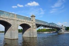 Pushkinsky ( Andreevsky) pedestrian bridge over the Moscow river Stock Photography
