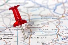 Pushpin показывая положение на карте Стоковая Фотография RF