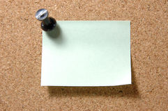 pushpin столба примечания corkboard Стоковое фото RF