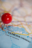 Pushpin on the map Royalty Free Stock Photos