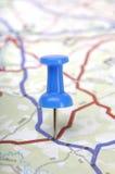 Pushpin no mapa Imagens de Stock Royalty Free