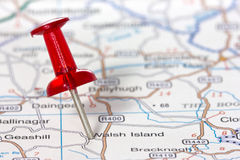Pushpin showing the location on a map Royalty Free Stock Photography